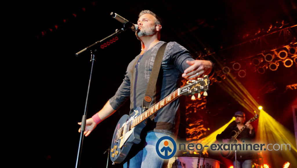 Troy Gentry on stage 2014