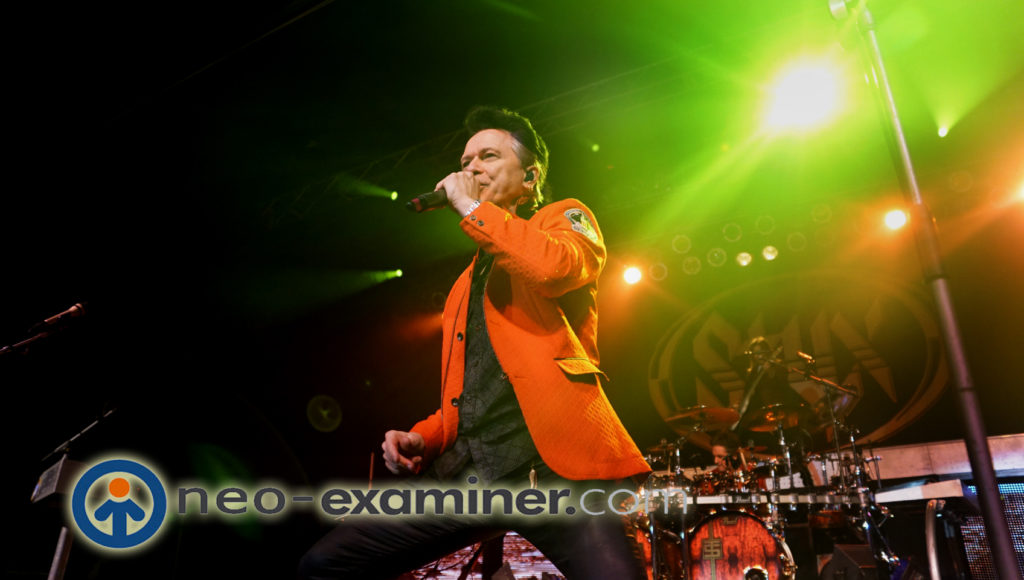 Lawrence Gowan live on stage