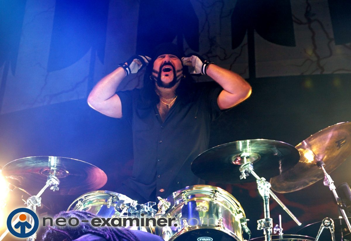 Vinnie Paul on stage with Hellyeah