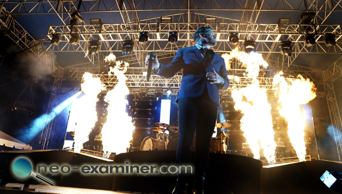 Shinedown live on stage